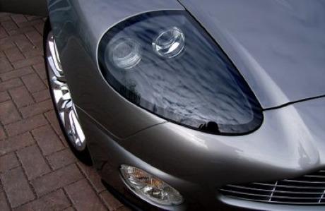 Réplica de Aston Martin Vanquish: bueno, pero malo