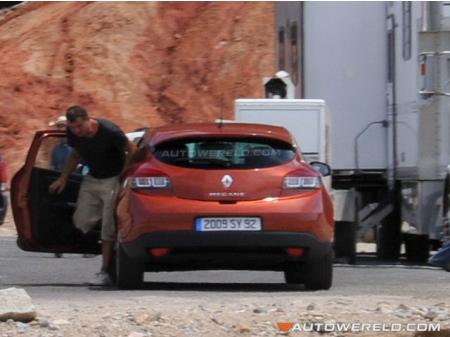 Más fotos espía del Renault Mégane III