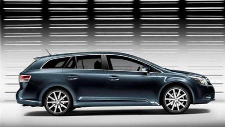 Nuevo Toyota Avensis, se filtran las primeras fotos
