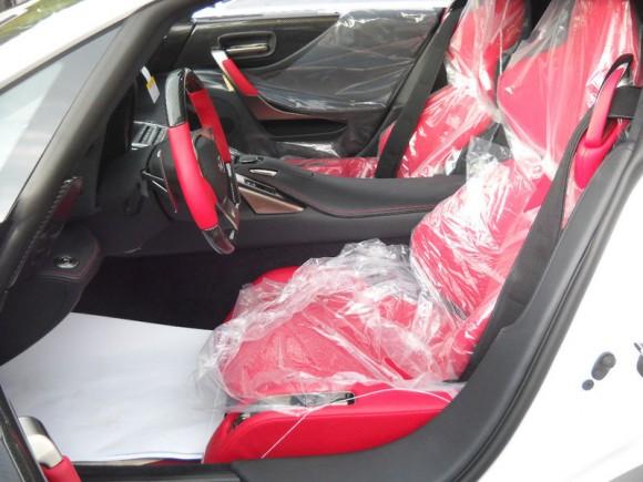 2012-Lexus-LFA-17