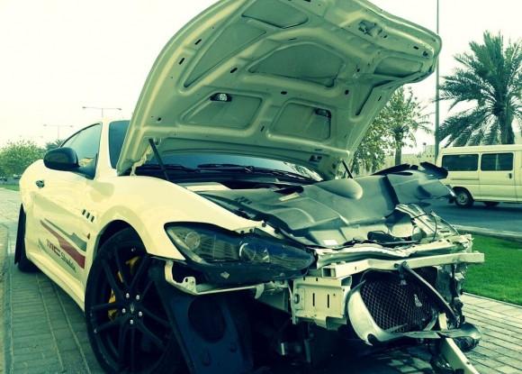 Destrozan un Maserati GranTurismo MC Stradale en Qatar