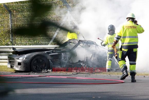 Arde un Mercedes SLS AMG Black Series en Nürburgring