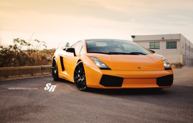 Orange Lamborghini Gallardo por SR Auto Group