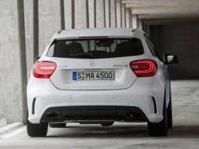 Oficial: Mercedes A45 AMG