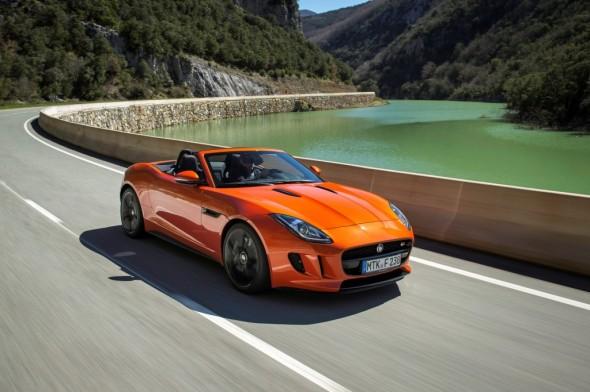 El Jaguar F-Type Coupe podría estrenar un cuatro cilindros