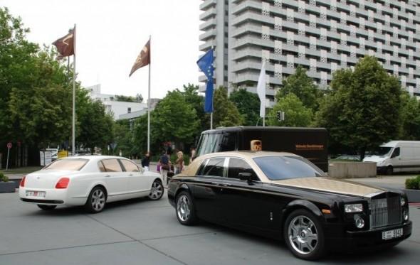 Destrozan dos Rolls-Royce en Alemania