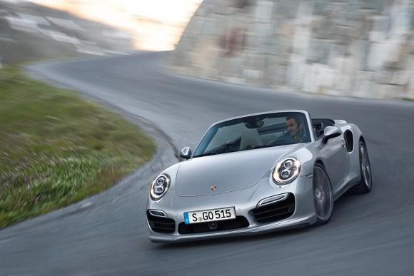 Porsche-911-Turbo-Cabriolet-12