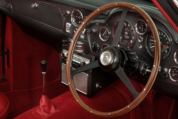 A la venta un Aston Martin DB6 Vantage Shooting Brake de 1967 4