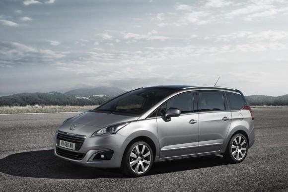 Ya disponibles los renovados Peugeot 3008 y 5008 2