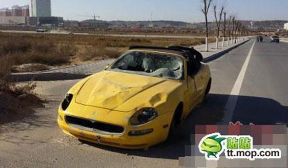 Aparece un Maserati 4200GT Spyder destrozado y abandonado en China 2