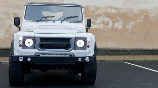 Kahn Design rinde homenaje al Land Rover Defender