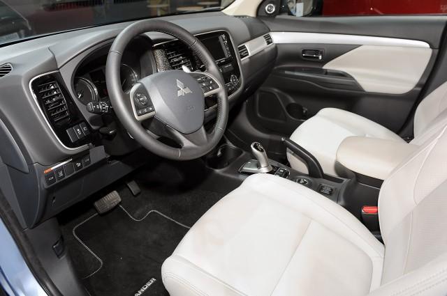 El Mitsubishi Outlander PHEV rebaja sustancialmente su precio 3