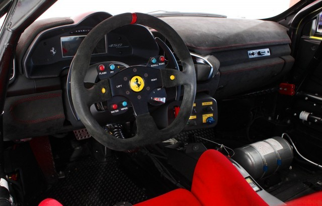 A la venta un Ferrari 458 Challenge 2