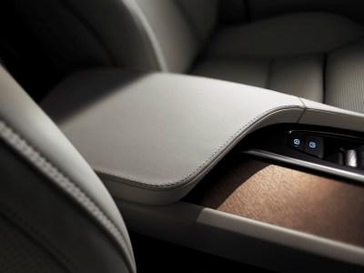 Volvo-XC90-2014-12