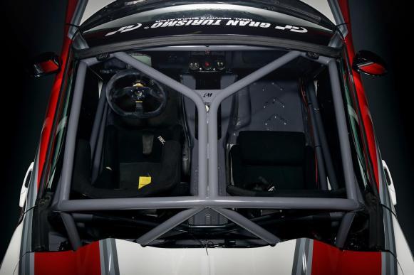 Mädchen & Motoren nos muestran su Opel GT V8