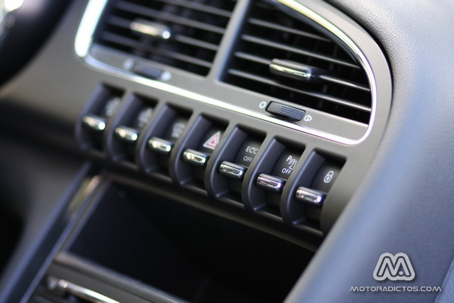 Prueba: Peugeot 3008 HYbrid4 (equipamiento, comportamiento, conclusión) 9