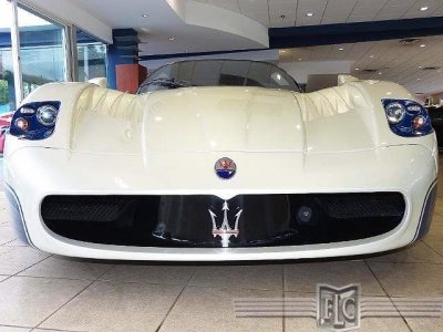 maserati-mc12-for-sale-dealer-wants-a-hefty-185-million-for-it-photo-gallery_11