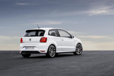 2015-Volkswagen-Polo-GTI-12