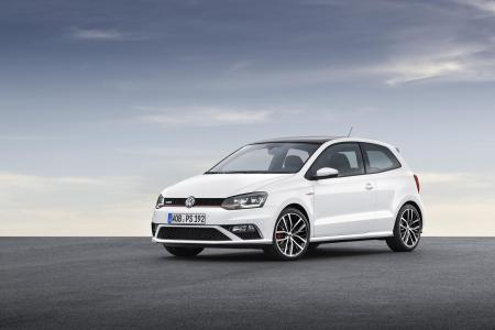 2015-Volkswagen-Polo-GTI-4