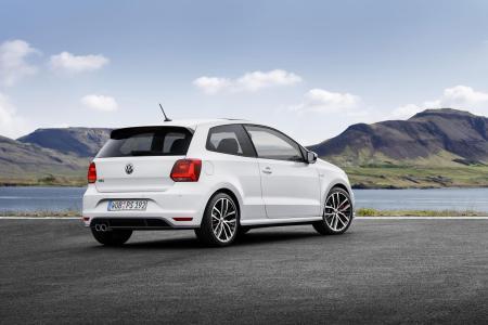 2015-Volkswagen-Polo-GTI-6
