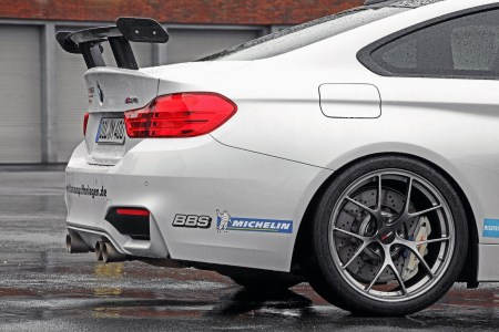 Lightweight-BMW-M4-10