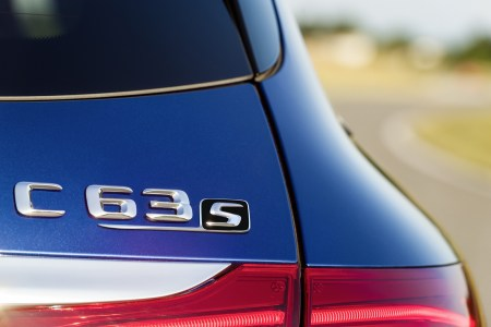 Mercedes-C63-AMG-34