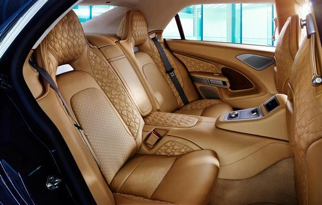 Llegan las primeras fotografías del interior del Aston Martin Lagonda 2