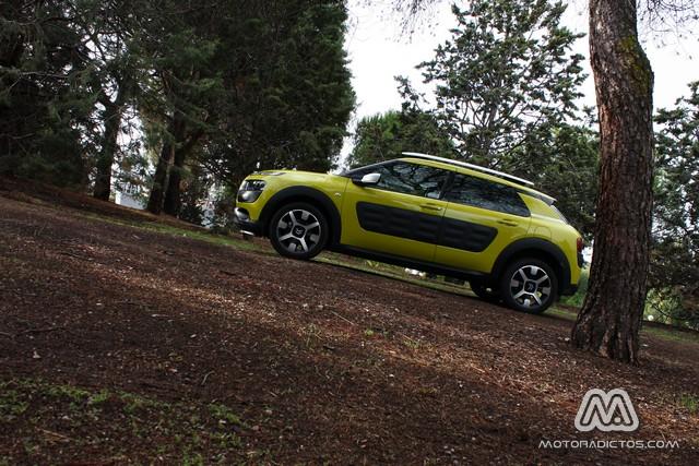 Prueba: Citroën C4 Cactus e-HDI 92 CV ETG6 (equipamiento, comportamiento, conclusión) 1
