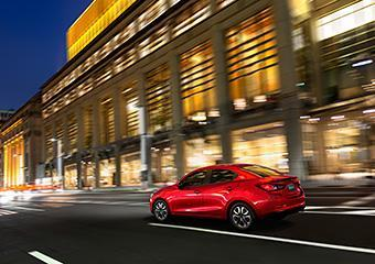 Mazda2-Sedan-14