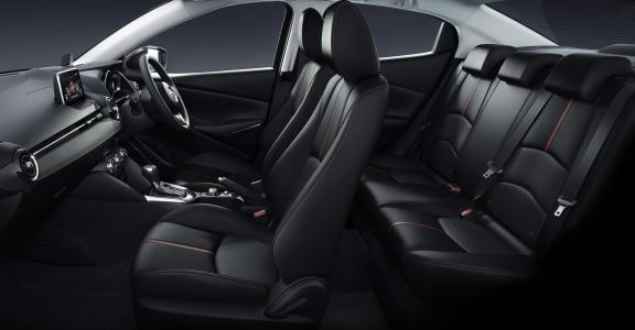 Mazda2-Sedan-4