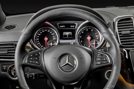 2016-Mercedes-Benz-GLE-Coupe-43
