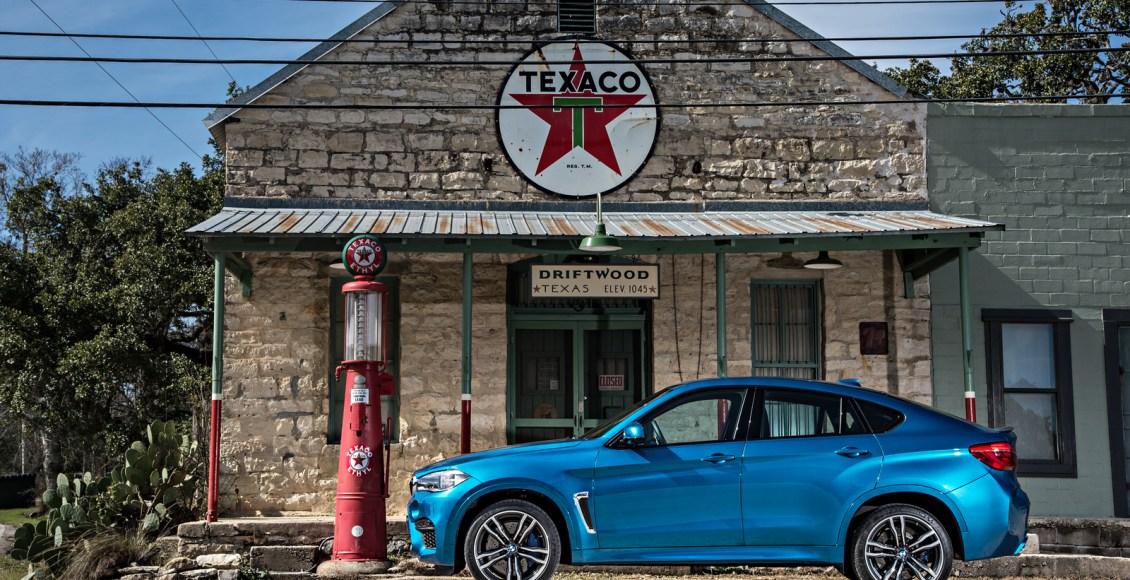 2015-BMW-X6M-101
