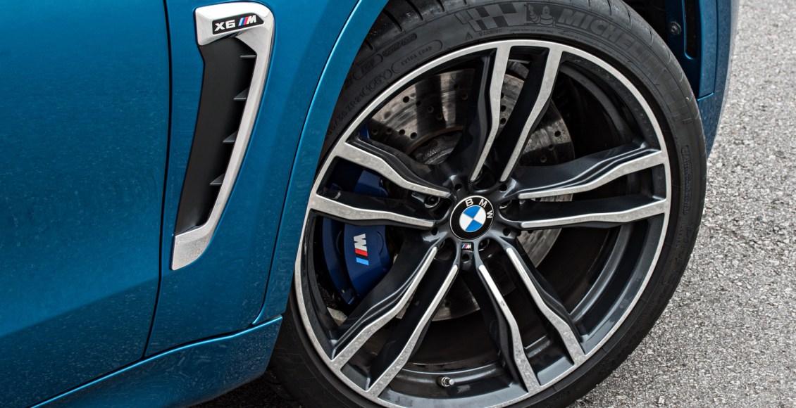 2015-BMW-X6M-112