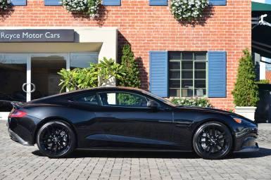 A la venta un Aston Martin Vanquish Carbon Black Edition