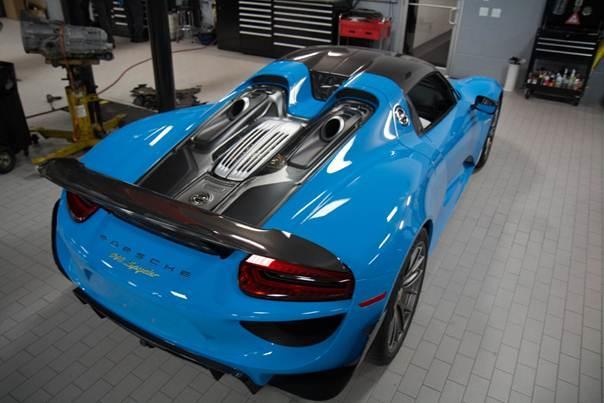 Así es el Porsche 918 Spyder al natural y en Riviera Blue 3