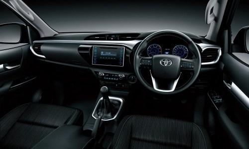 Toyota-Hilux-2016-18