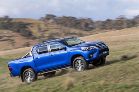 Toyota-Hilux-2016-3
