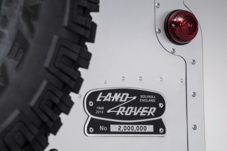 Land-Rover-Defender-2000000-17