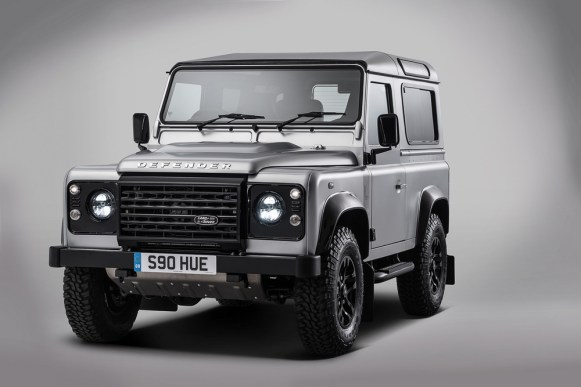 Land Rover Defender 2.000.000: Construido a mano por un grupo de famosos