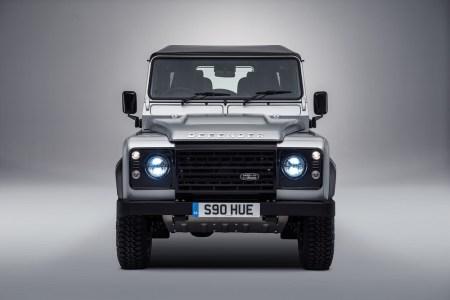 Land-Rover-Defender-2000000-3