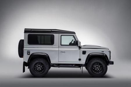 Land-Rover-Defender-2000000-5