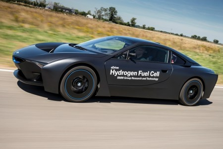 BMW-i8-Hydrogen-Fuel-Cell-Concept-6