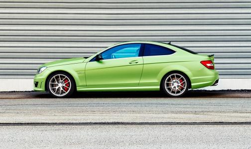 This-is-the-Mercedes-Benz-C63-AMG-Coupe-Legacy-Edition-2