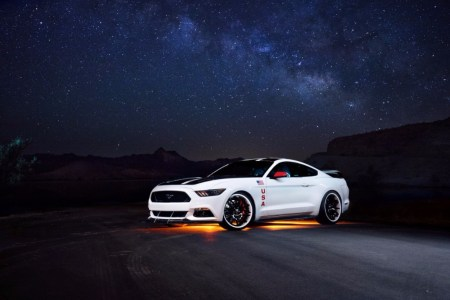 ford-mustang-apollo-edition-201522281_1