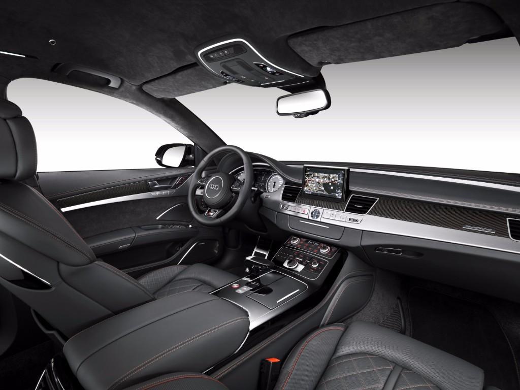 Audi S8 Plus: Te catapultará hasta los 305 km/h con sus 605 CV de potencia 3