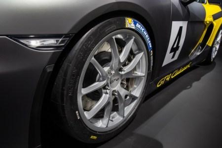 Porsche-cayman-gt4-clubsport-6