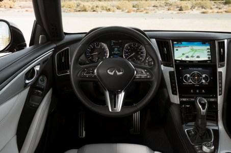 2017-Infiniti-Q60-Coupe-12