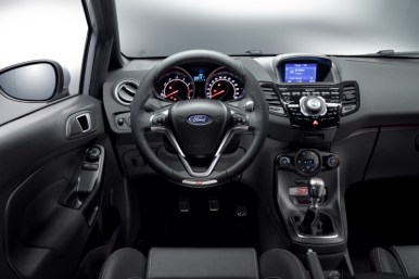 Ford Fiesta ST200: Uno de los hothatch más radicales recibe 18 CV extra y cambios estéticos