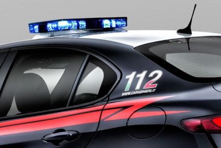 Alfa-Romeo-Giulia-QV0Police-13