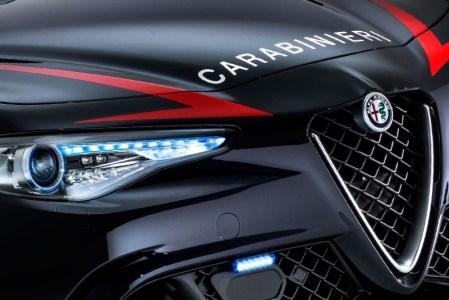 Alfa-Romeo-Giulia-QV0Police-18